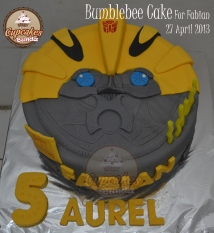 Bumblebee Cake For Fabian